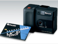 La prima macchina digitale che registra le foto su schede memoria
