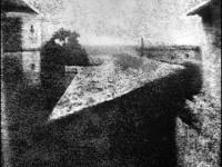 La prima fotografia di scena della storia